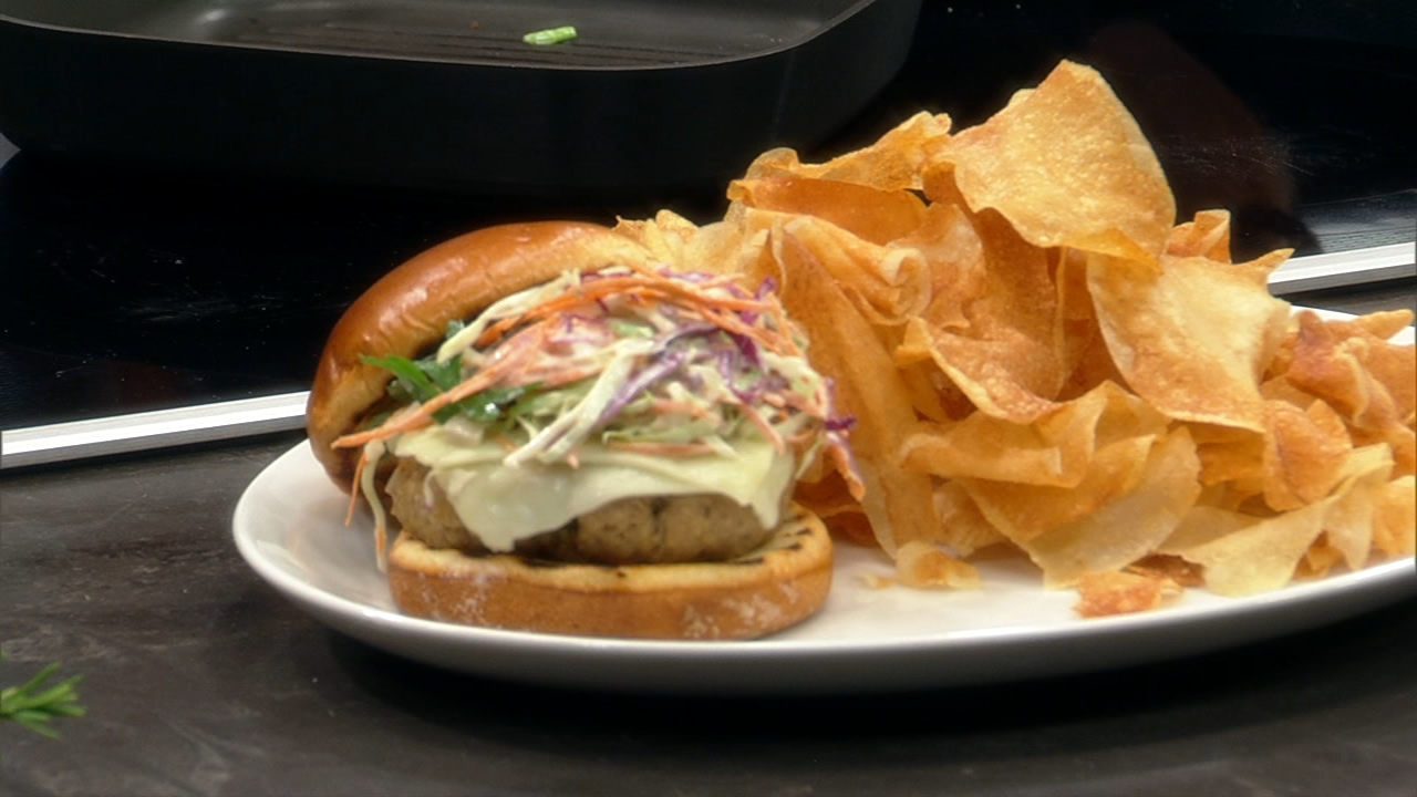 Labor Day means cookouts, and this recipe for turkey burgers is sure to be a hit.