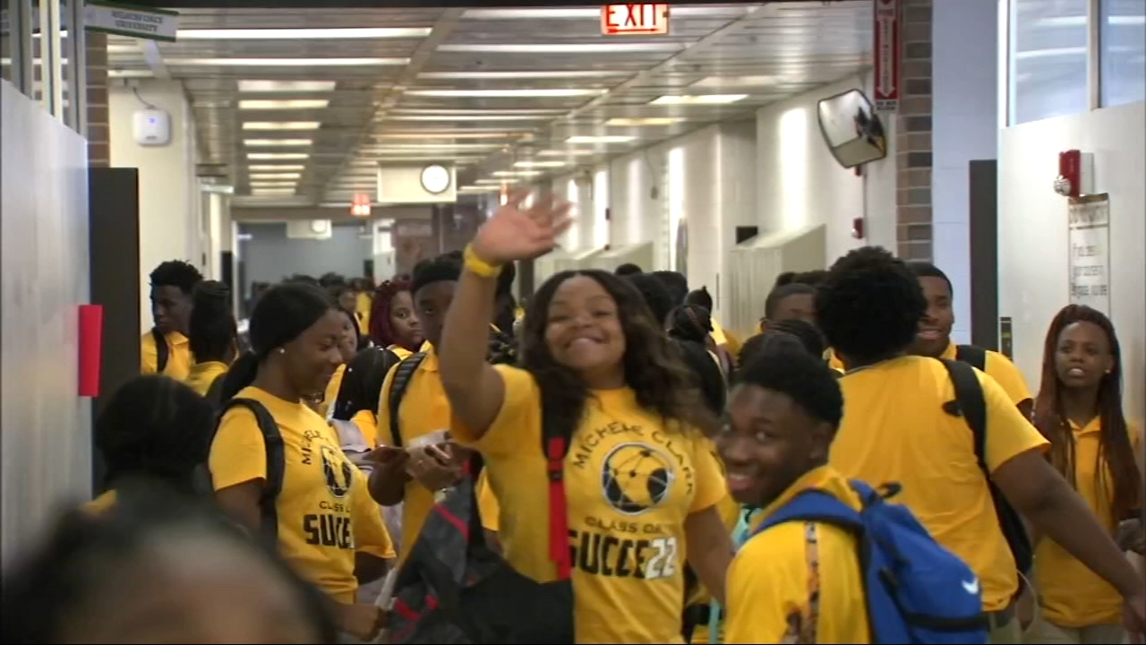 Hundreds of thousands of Chicago Public School students headed back to class Tuesday.