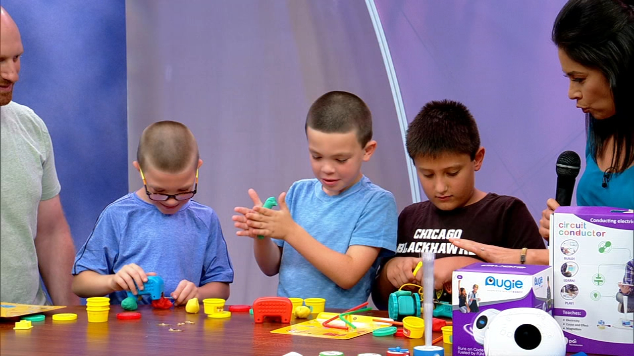 Keep learning going outside the classroom with STEM-focused toys.