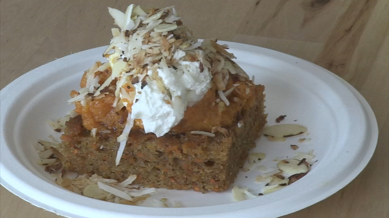 In Steves Extra Course Video, he talks about one of the homemade desserts on the menu - a carrot cake but with an Indian twist.