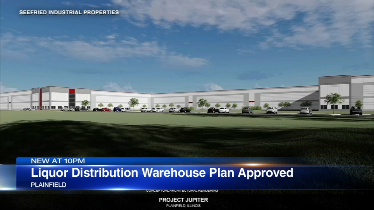 Trustees in Plainfield green-lighted a controversial plan for a warehouse development Monday night.