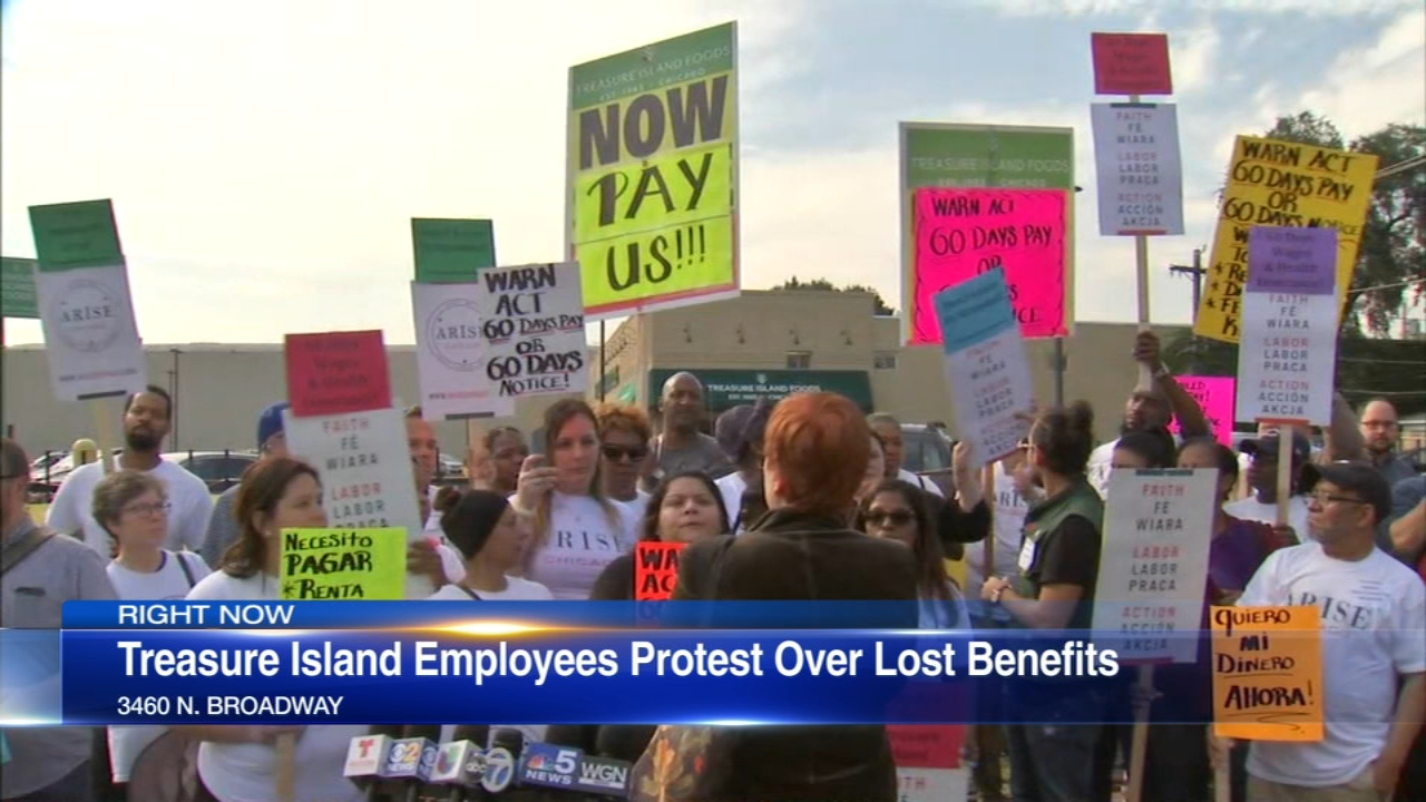 Treasure Island workers held a demonstration Monday over their treatment by the closing grocery store chain.