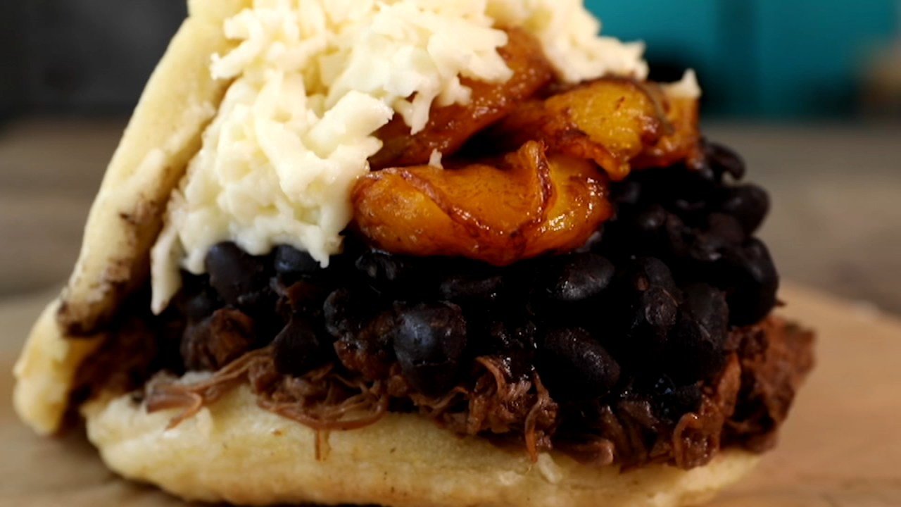 Sweet Pepper brings Venezuelan arepas to Chicago.