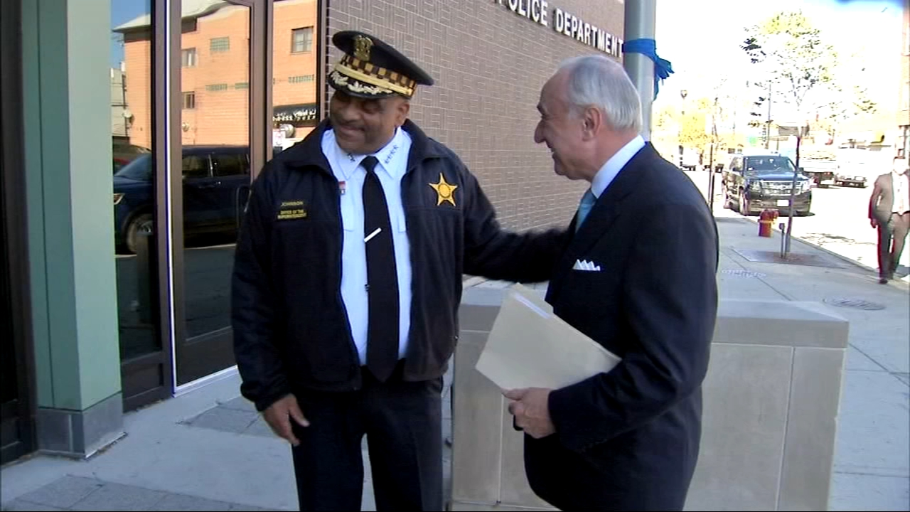New Yorks former police commissioner was in Chicago Thursday to talk to police about strategies to stop shootings and reduce violence.