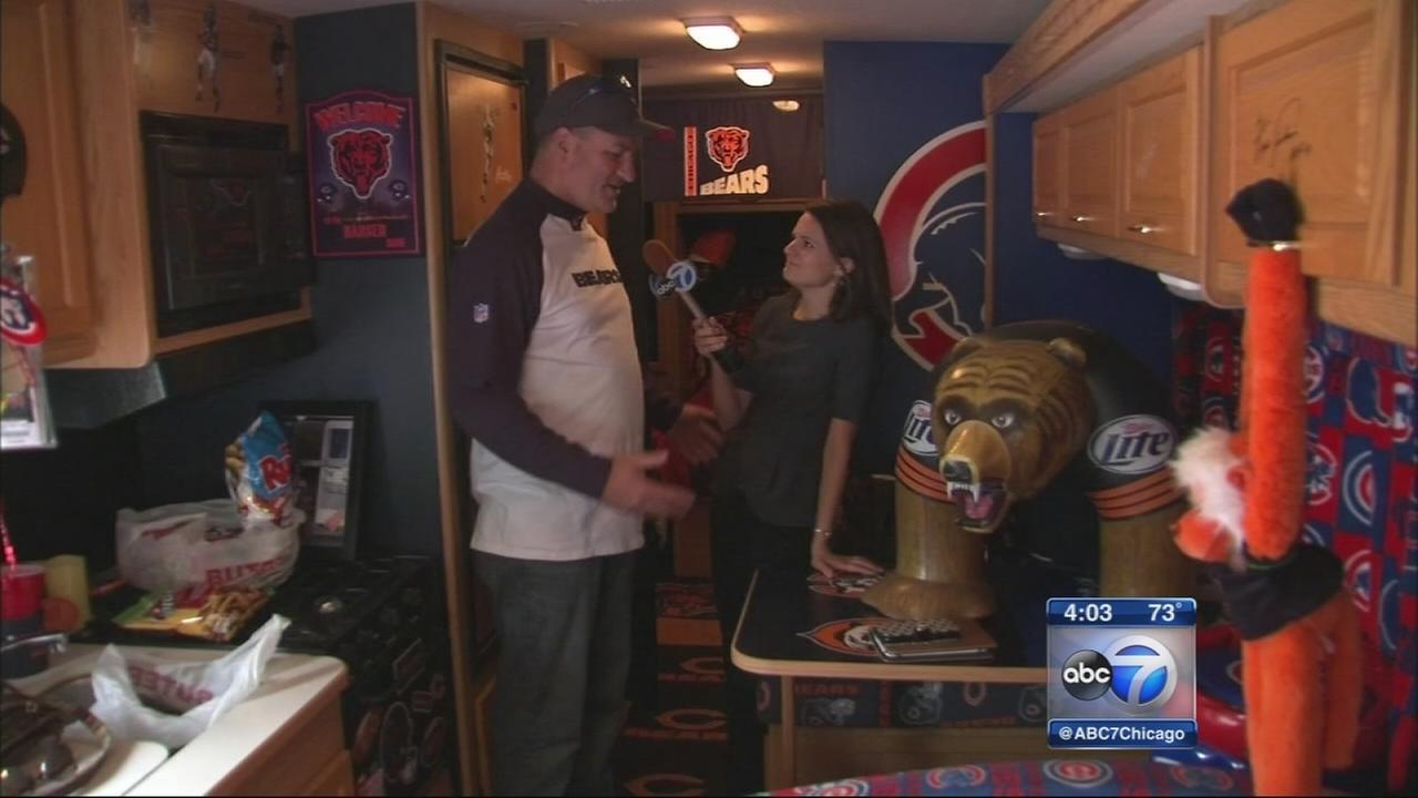 Cubs fan shows off Bear Cub RV
