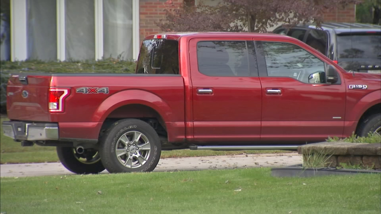 A non-binding advisory referendum will ask Flossmoor residents whether to continue the ban on non-commercial pick-up trucks in residential driveways.