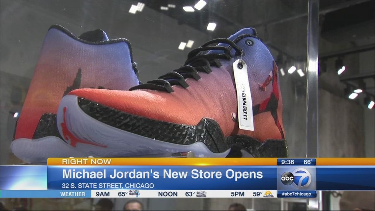 Watch Sneaker Stores in Chicago video