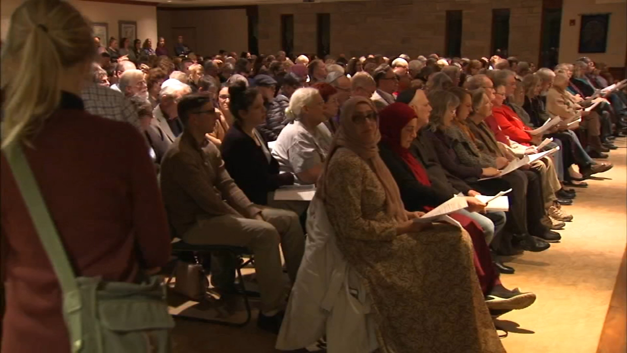 People of all faiths worshipped at Shabbat services at synagogues across the Chicago area Friday evening as a display of unity after the deadly Pittsburgh synagogue shooting.