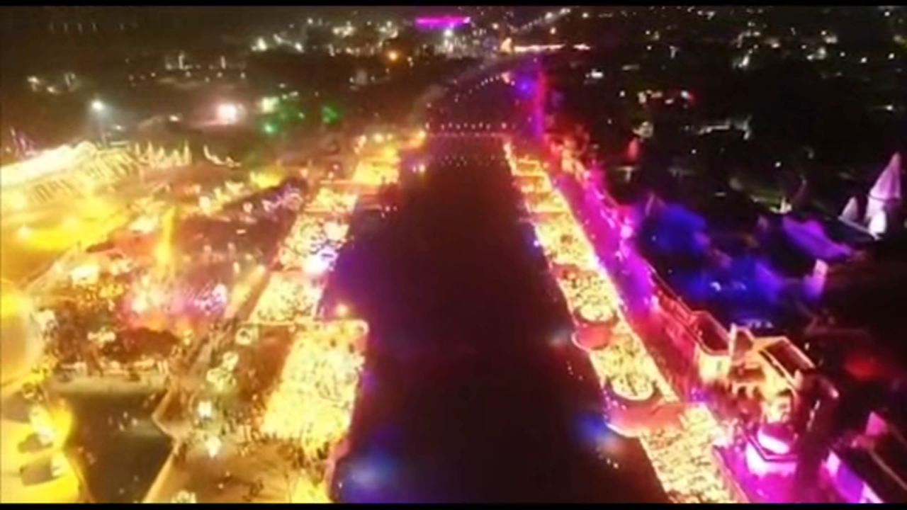 he northern Indian city of Ayodhya broke a Guinness World Record by lighting more than 300,000 clay oil lamps on the eve of the Hindu festival Diwali, also known as the Festival of
