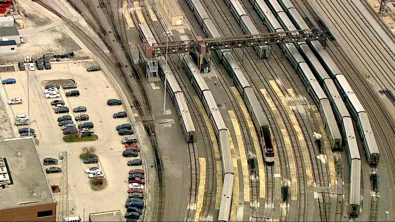 No Metra or Amtrak trains were able to enter or exit Chicago Union Station Thursday morning due to signal problems.