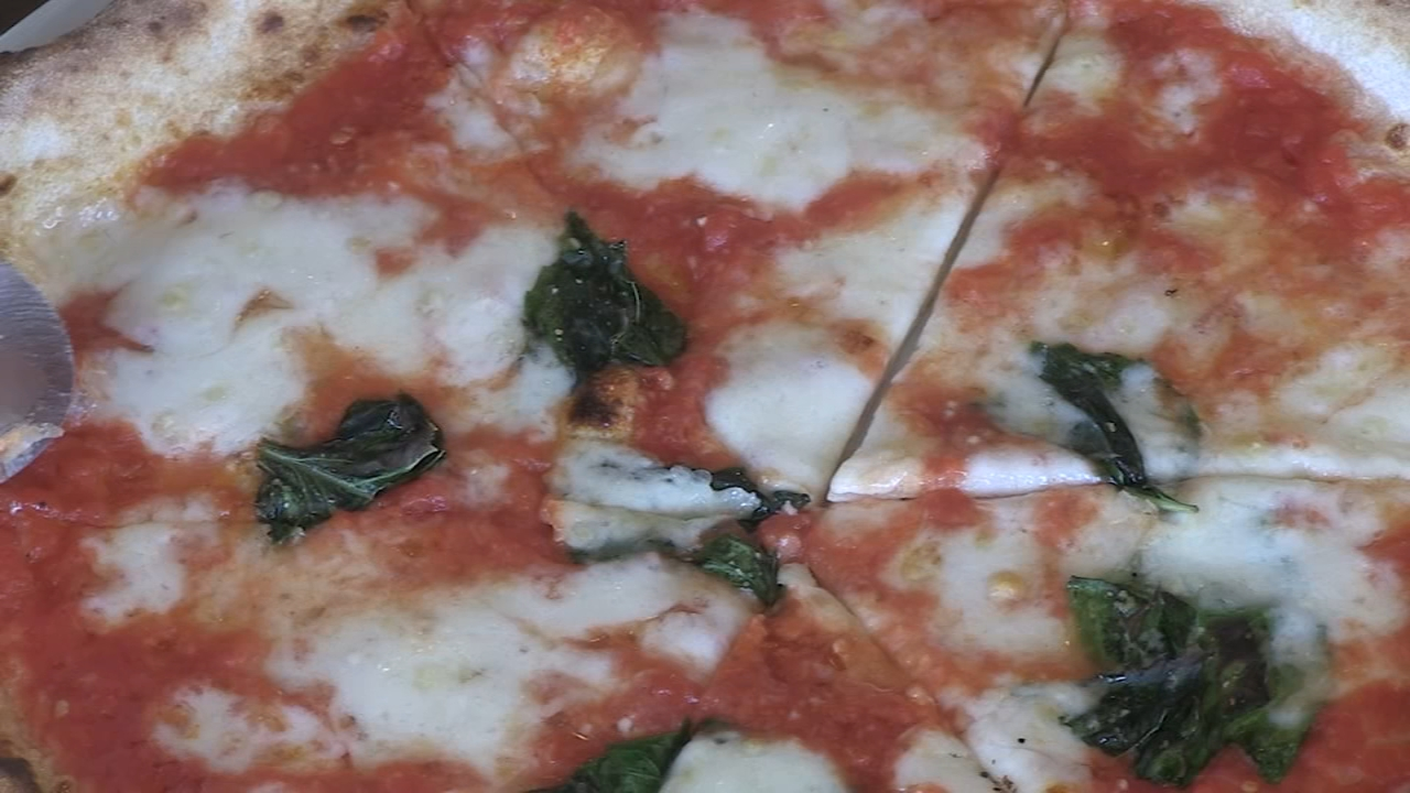 Neapolitan pizza is served perfectly at Napoli Per Tutti in Schaumburg.