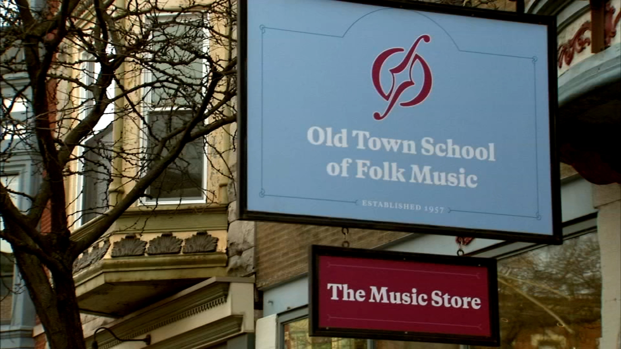 The Old Town School of Folk Music plans to sell its Lincoln Park building.