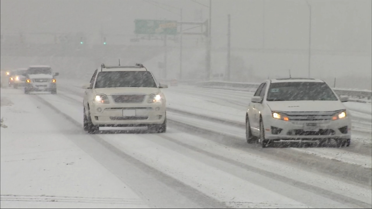 Snow Thursday morning created hazardous driving conditions, especially south of the city and in northwest Indiana.