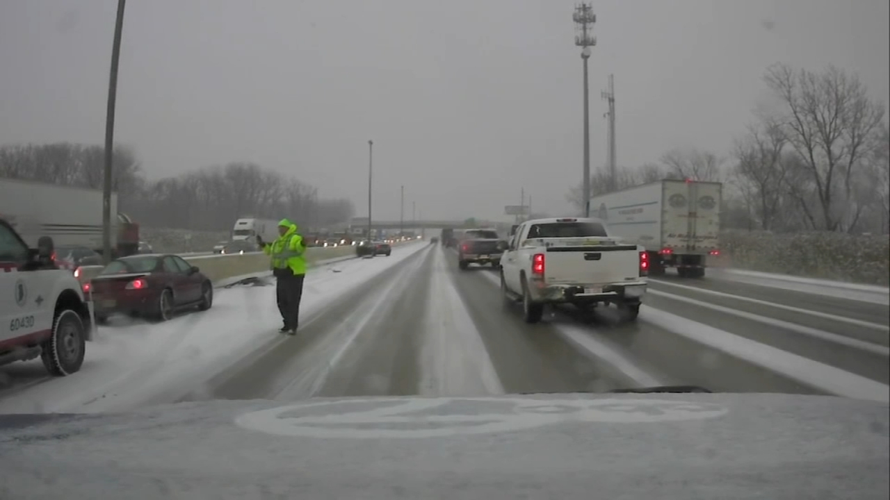 A wintry mix made for a wintry mess on the roads. Snow was blamed for more than two dozen crashes in northwest Indiana Thursday.