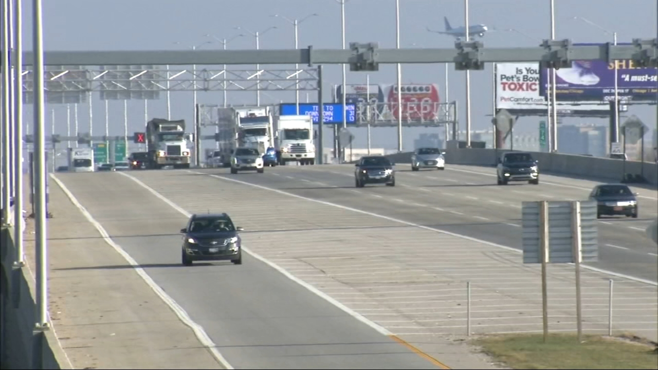 A busy holiday travel season is expected due to cheap gas, experts say.