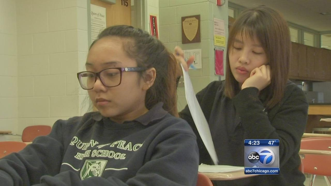 Chinese students study at US high schools