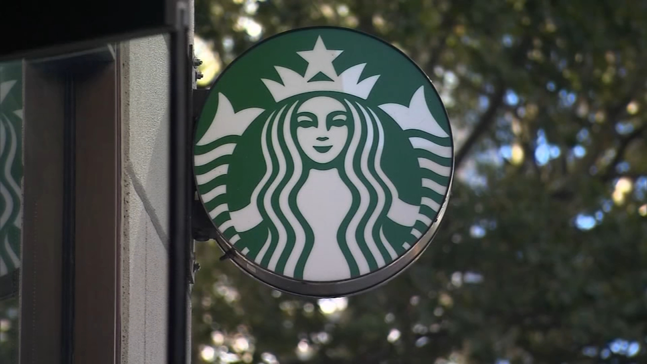 Starbucks announced Thursday that it will soon block customers from viewing X-rated material online at its cafes.