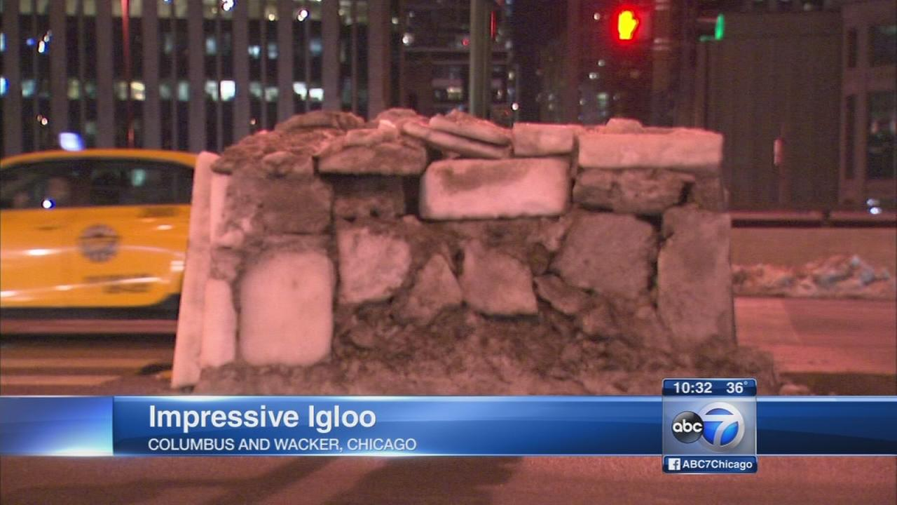 Chicago man builds igloo downtown