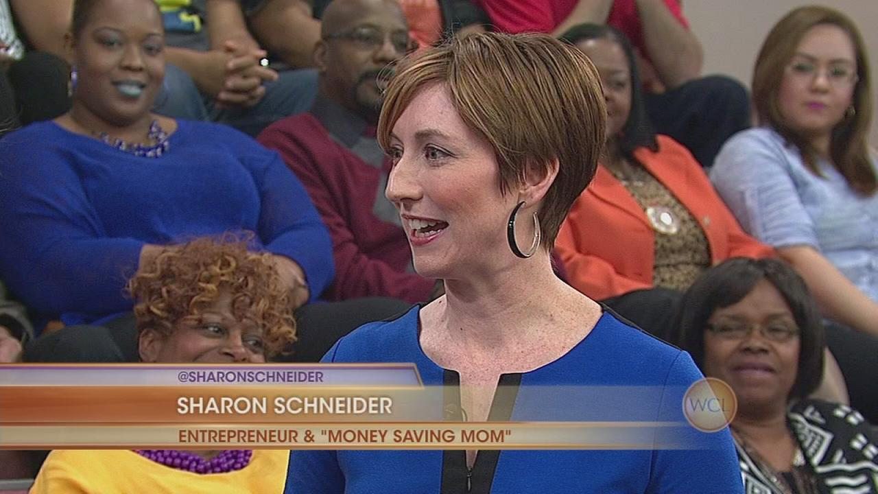 Money Saving Mom with 4 Money Saving Apps