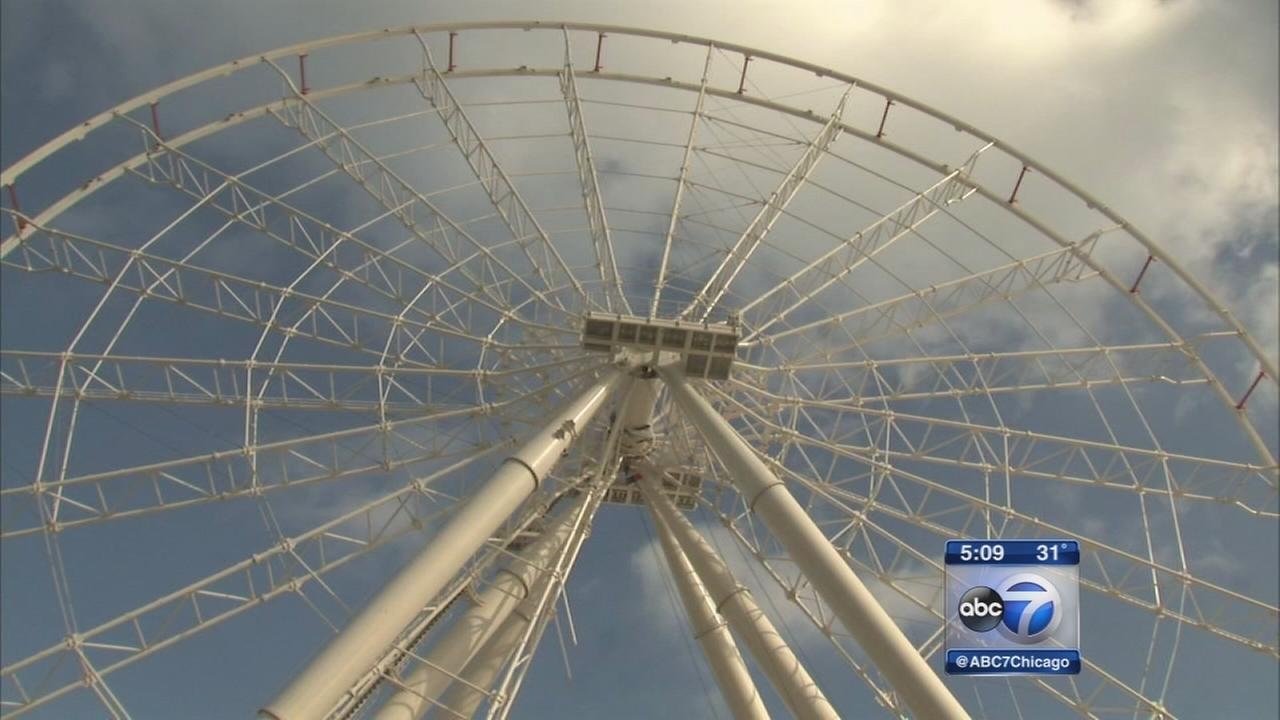 Navy Pier Ferris wheel construction continues