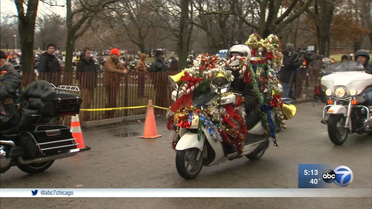 Thousands of bikers hit the road Sunday morning in Chicago as part of the annual Toys for Tots Motorcycle Parade.