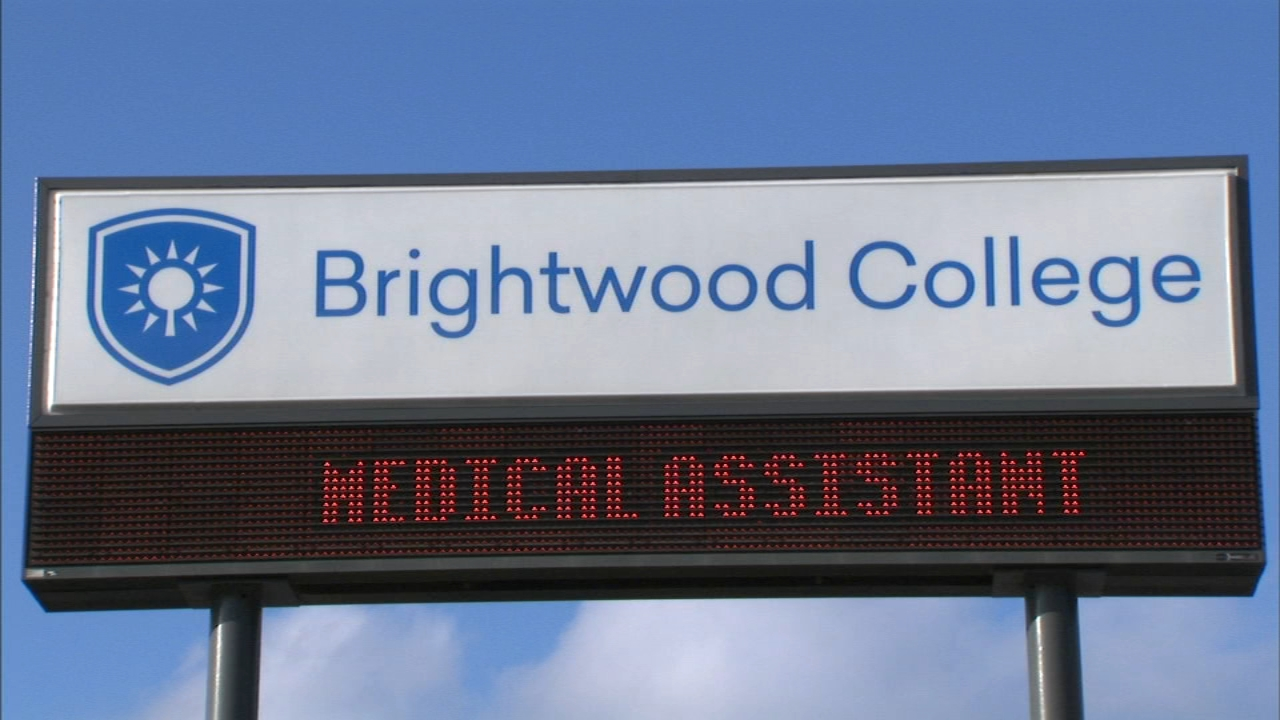 Brightwood College in Hammond, Indiana, closed due to financial trouble.