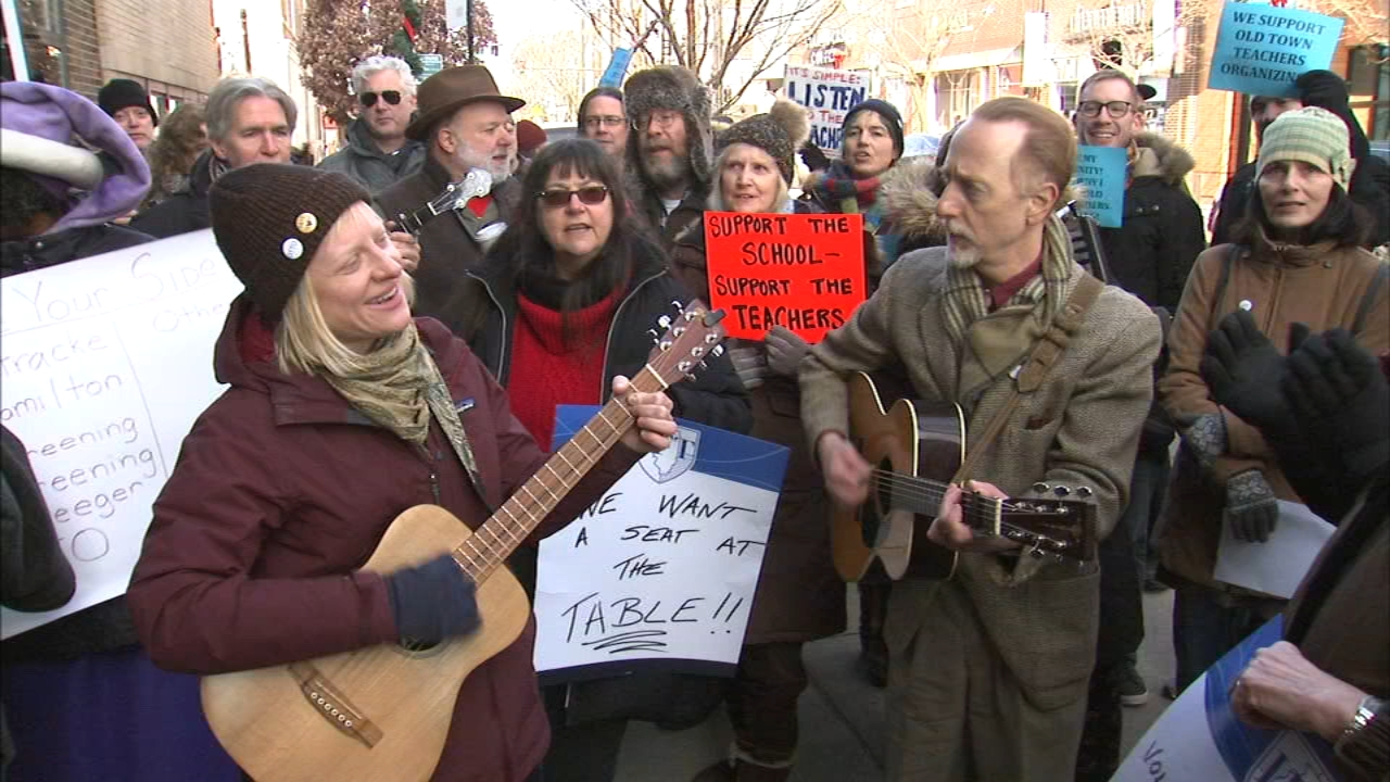 Old Town School of Folk Music teachers are seeking to unionize.