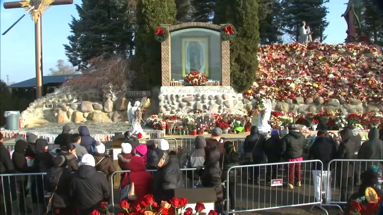 Its a day of solitude and prayer as hundreds of thousands of Roman Catholics descend on Des Plaines.