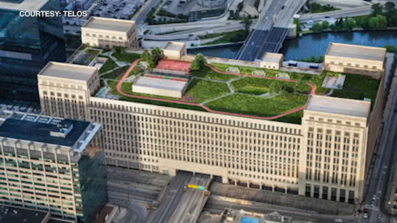 A classic Chicago candy company will be moving into the citys Old Post Office downtown.