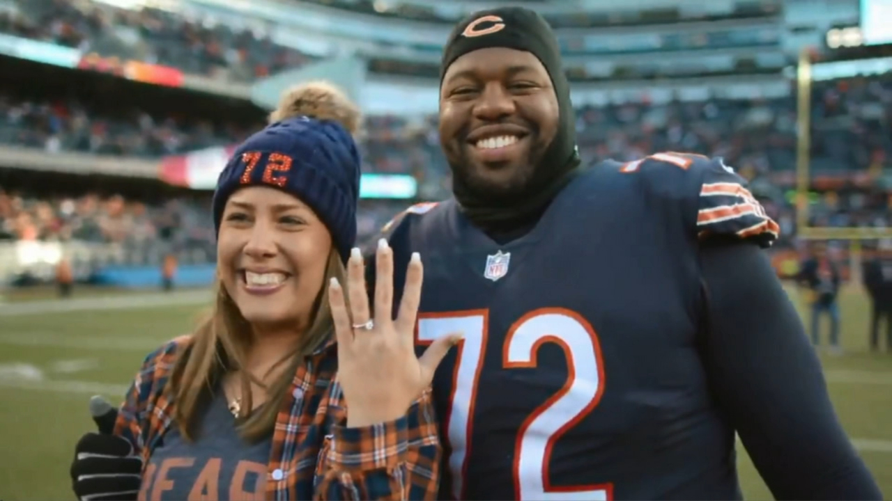 Chicago Bears player Charles Leno Jr. proposed to his girlfriend, Jennifer Roth, after the teams win over the Green Bay Packers.