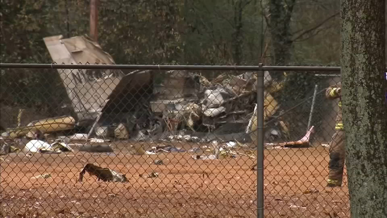 Three people are dead after a small plane crashed in Atlanta Thursday.