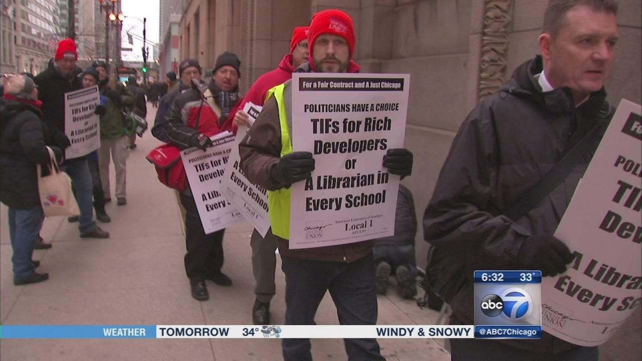 Chicago teachers prepare for possible layoffs