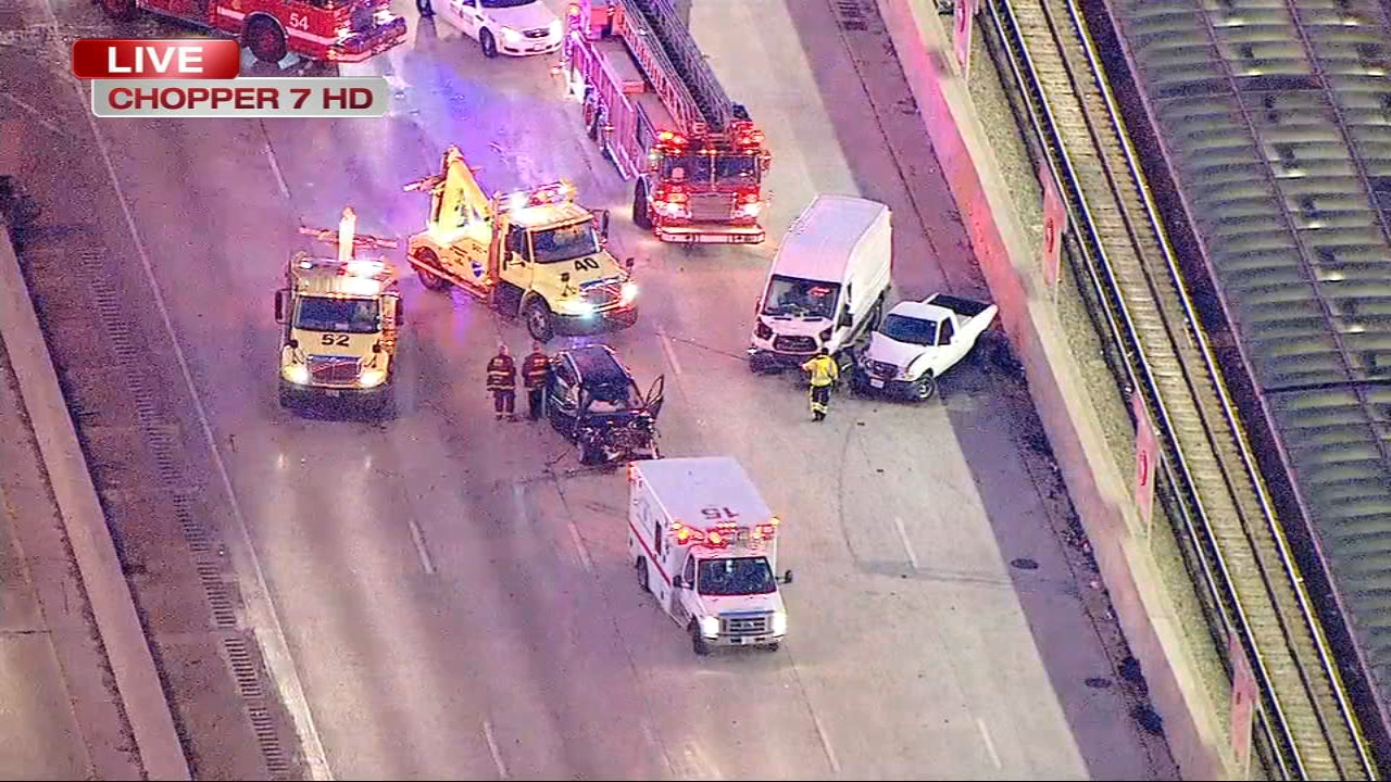 The express lanes of the Dan Ryan Expressway were closed after a multi-vehicle crash on the inbound expressway near 69th Street. At least two people were hurt.