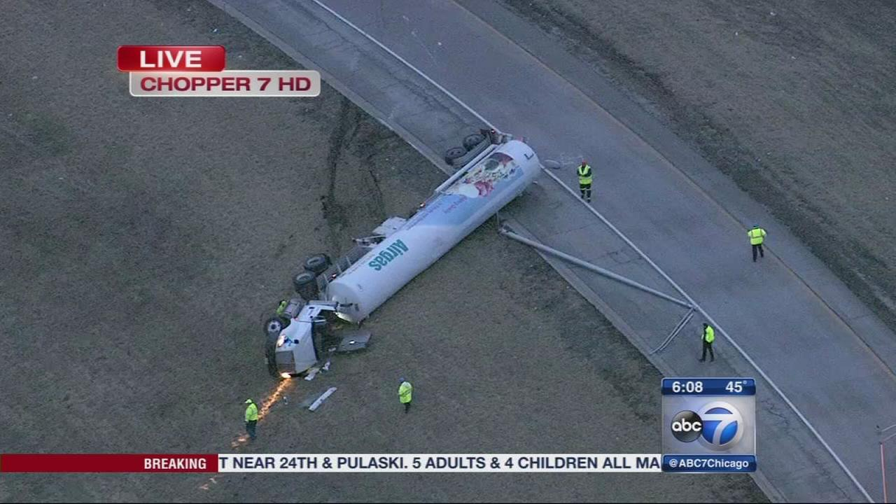 Overturned tanker closes SB I-355 ramp to WB I-80 for hours
