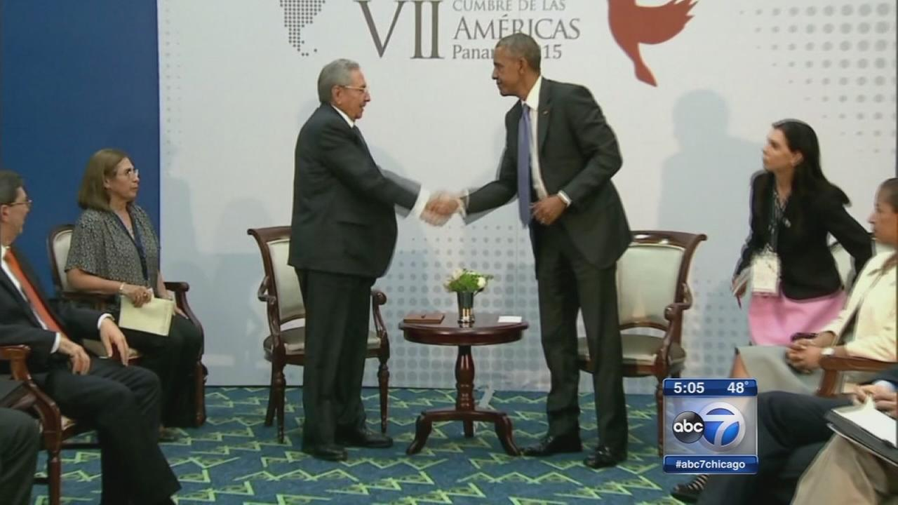 Obama, Castro meeting closely watched in Chicago