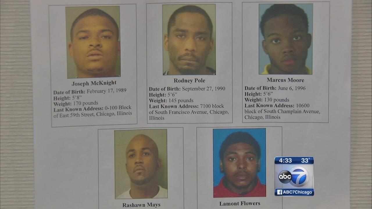FBI seeks 5 accused of selling fake tickets