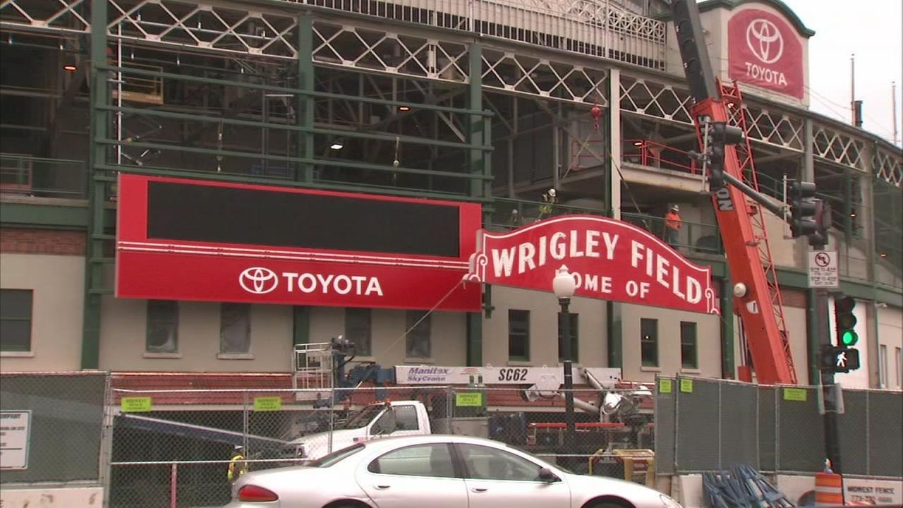 Wrigley Field preps for home opener