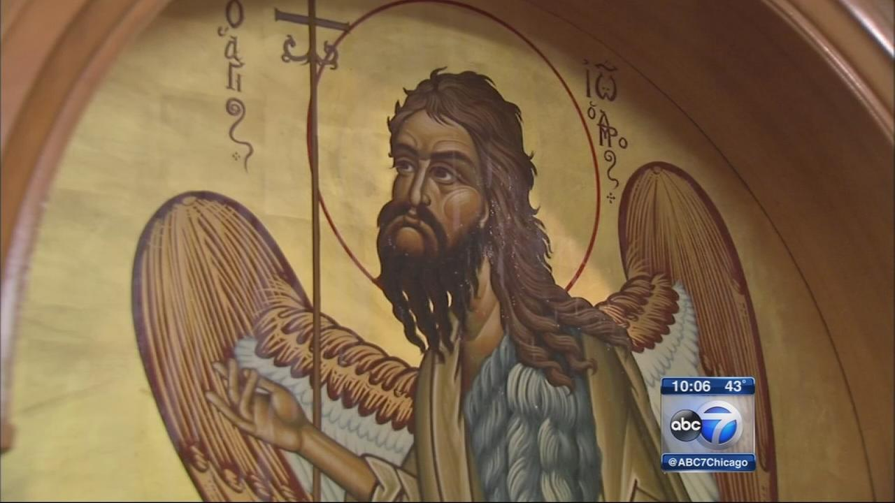 Faithful flock to see icon dripping oil