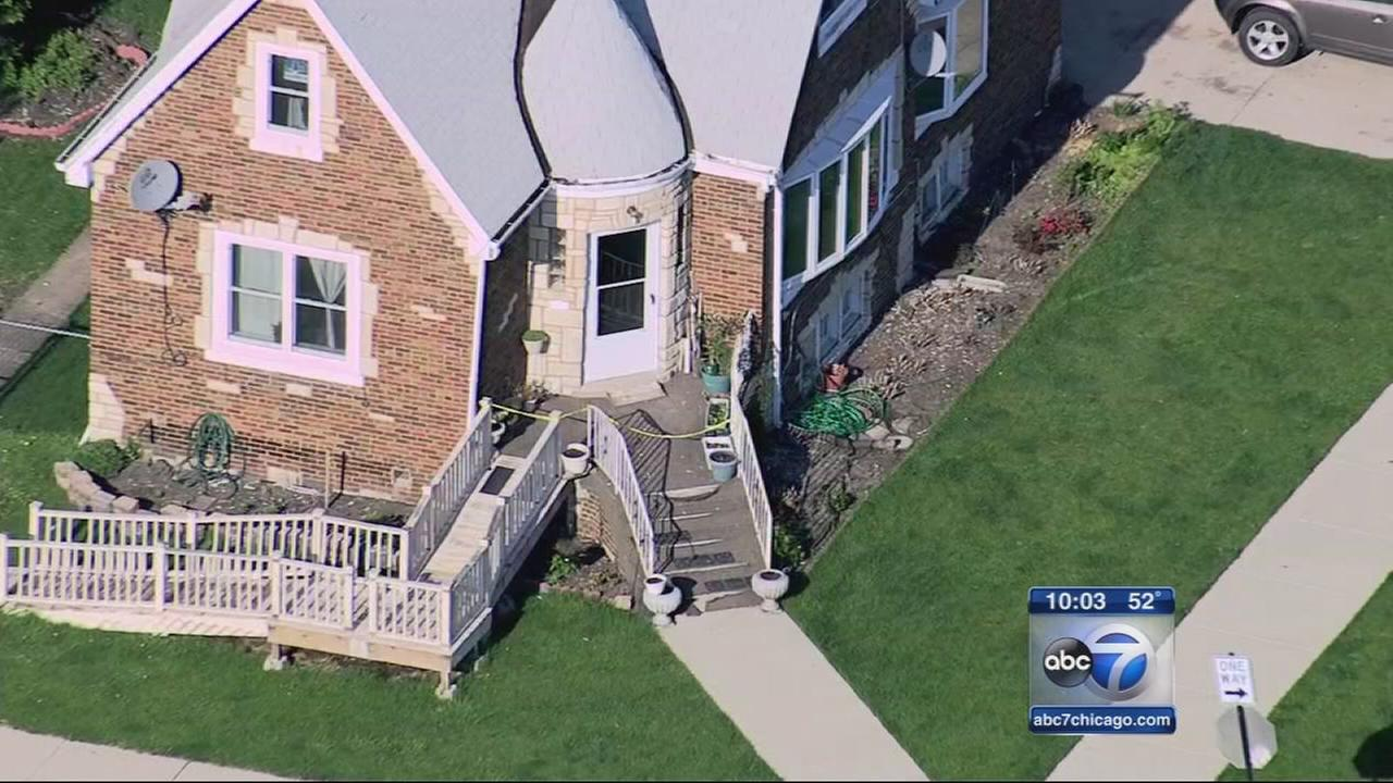 Woman shot in chest in Chicago Lawn