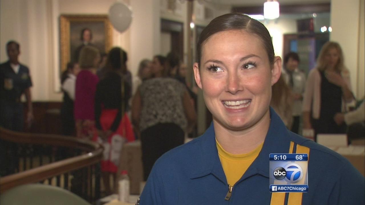 1st female pilot for Blue Angels takes flight