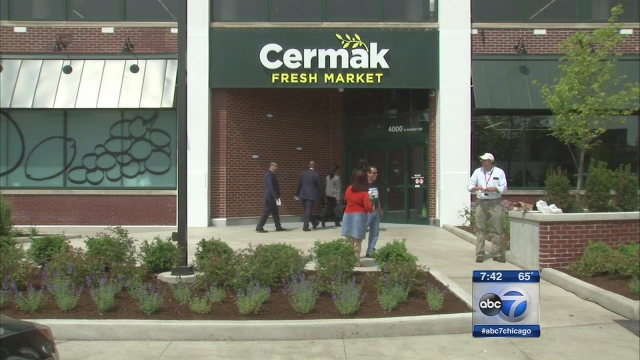 Grocery store opens in old Marshall Fields warehouse