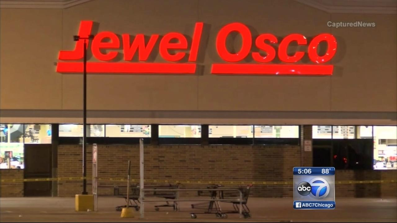Woman shot while exiting Jewel-Osco in Munster | abc7chicago.com