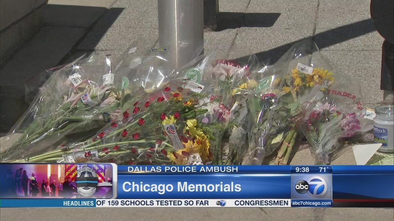 Chicago mourns victims of Dallas shooting