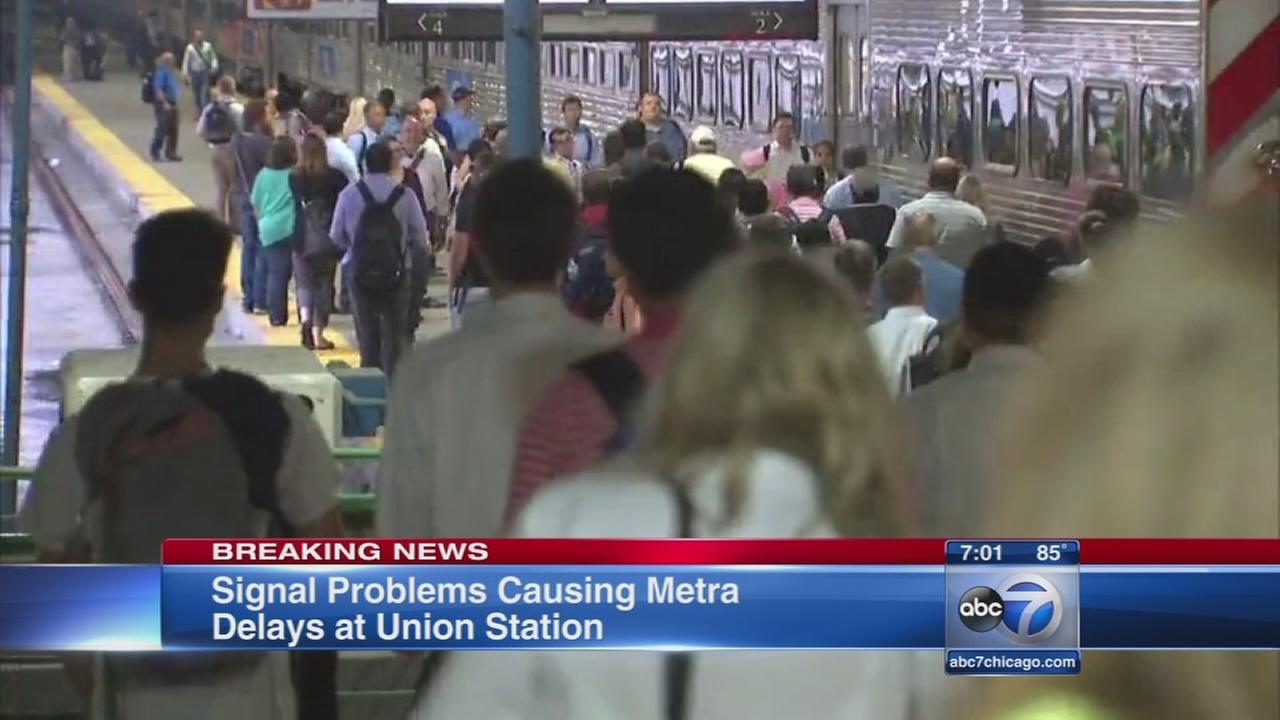 Metra trains delayed due to signal issue