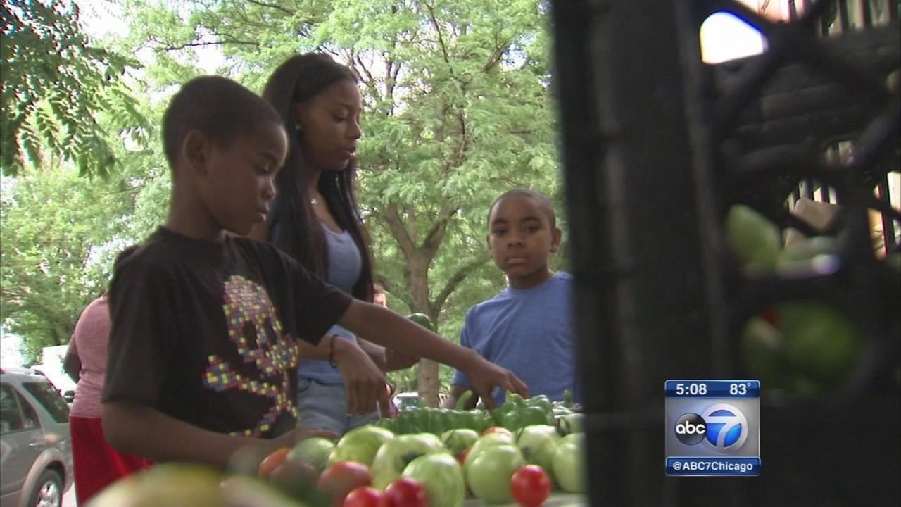 Youth group hosts pop-up market