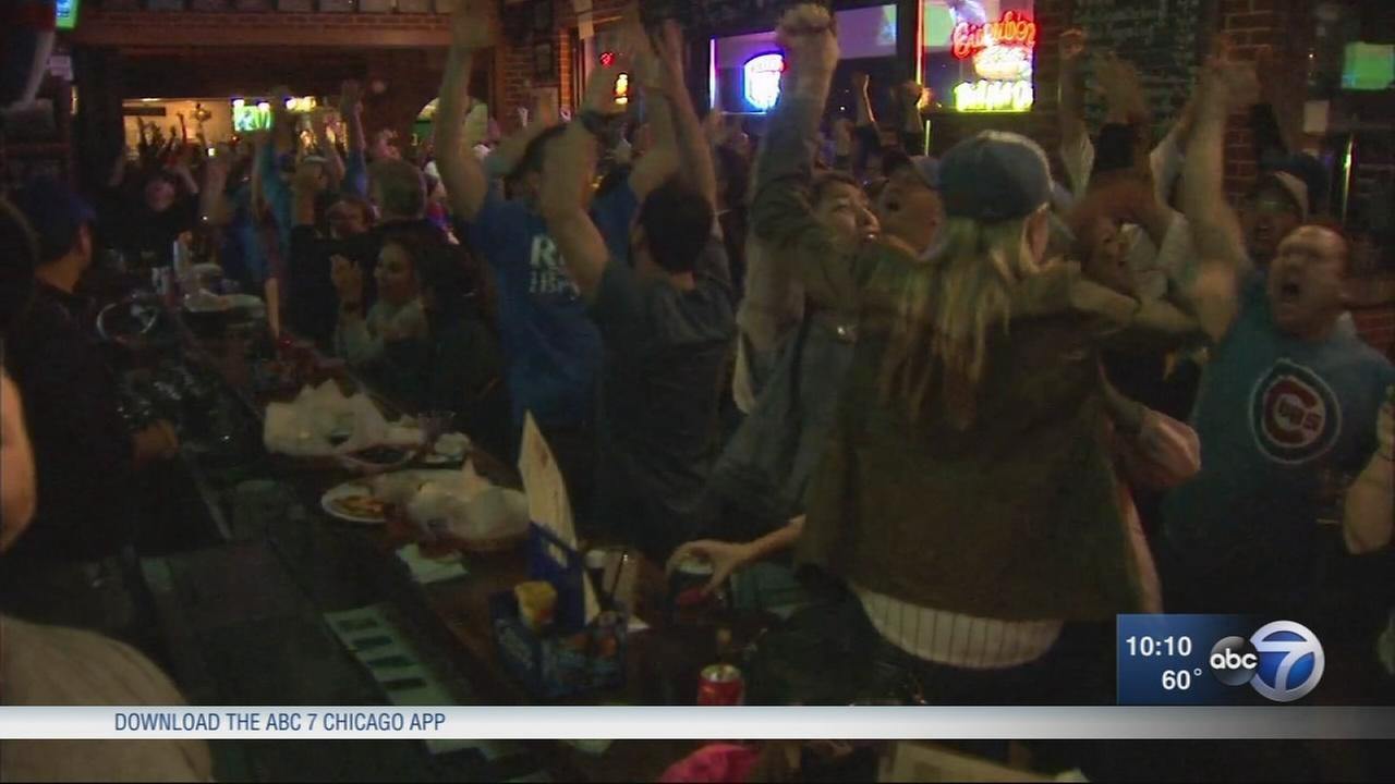 Fans cheer Cubs on in Game 4 of NLCS