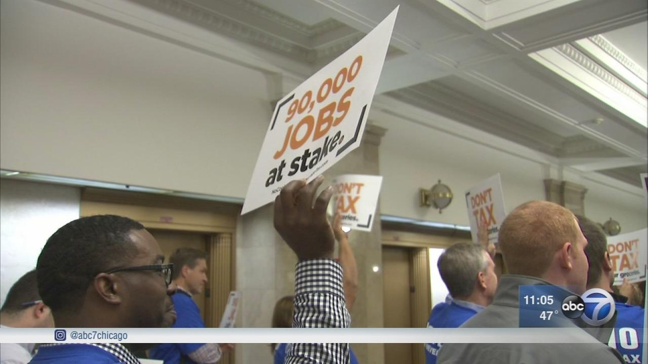 Hundreds protest tax on sugary drinks in Cook Co.