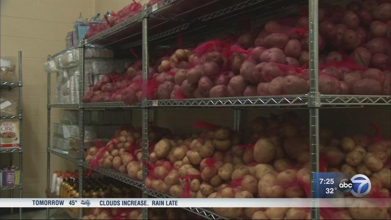 New food pantry opens in Willowbrook