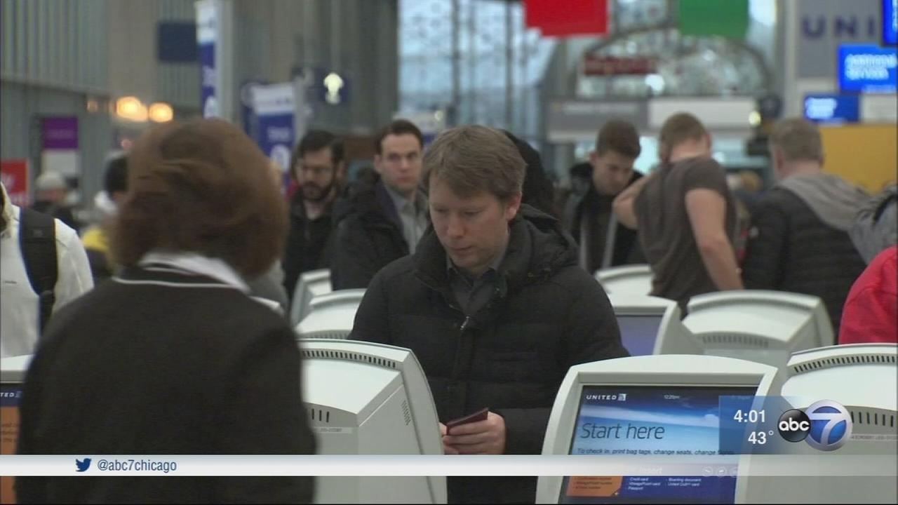 O?Hare Airport lines moving well for Thanksgiving travelers