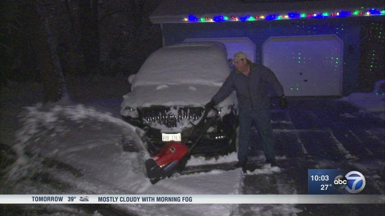 Chicago Weather: First snowfall of season